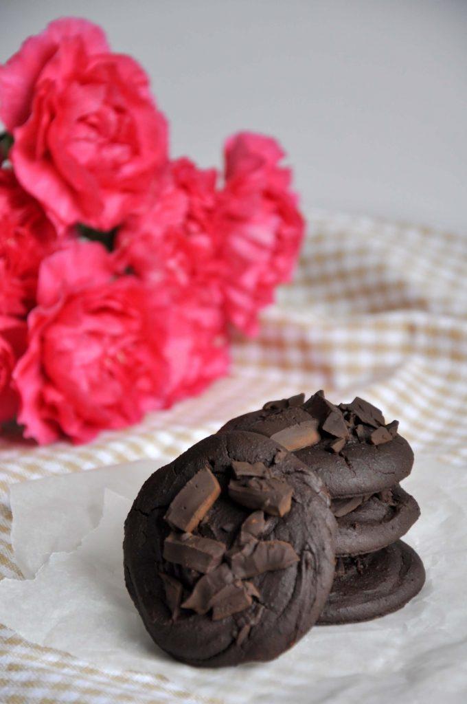Ciastka czekoladowe z czerwonej fasoli z pastą tahini