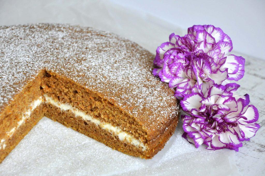 Fit ciasto marchewkowe z kremem - zdrowe słodycze