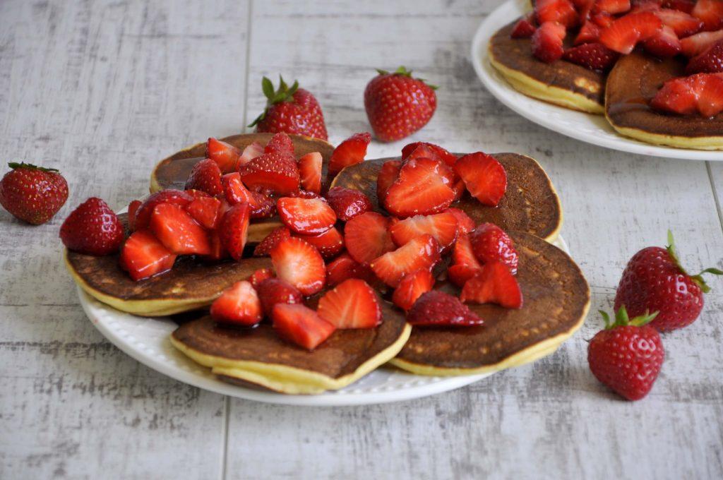 placuszki-pancakes-z-ricotta-i-truskawkami