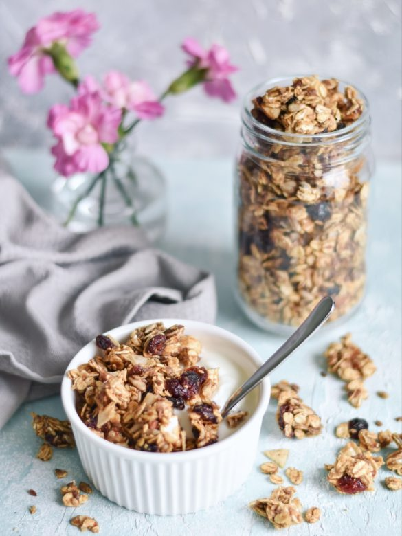 Zdrowa, domowa granola bez oleju, cukru i miodu